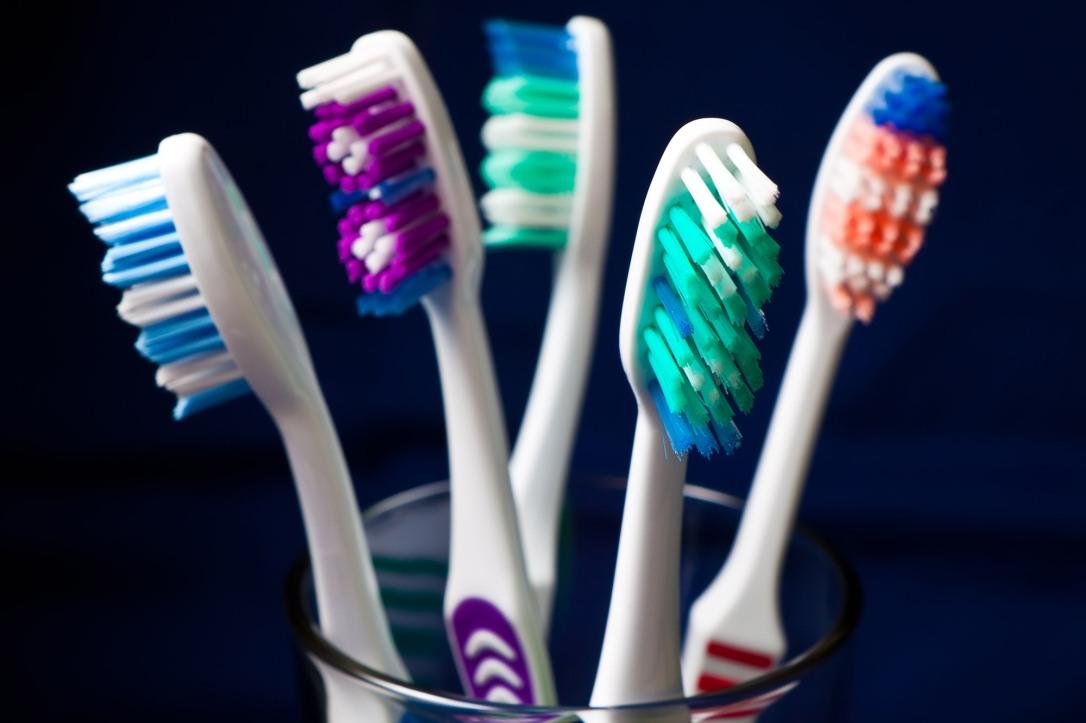 toothbrush1